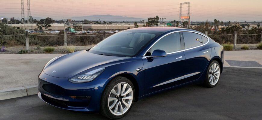 Руль Tesla Model 3 отлетел прямо во время движения
