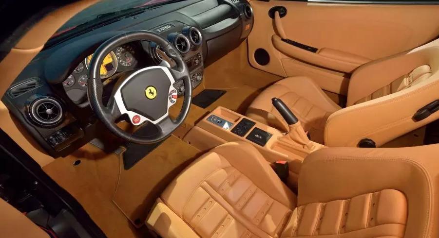 Салон Ferrari F430