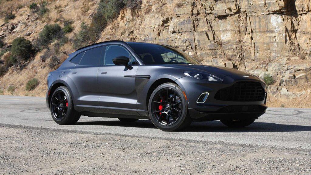 На сегодня Aston Martin уже устанавливает на некоторые свои автомобили двигатели, которые идут в том числе для моделей Mercedes-AMG