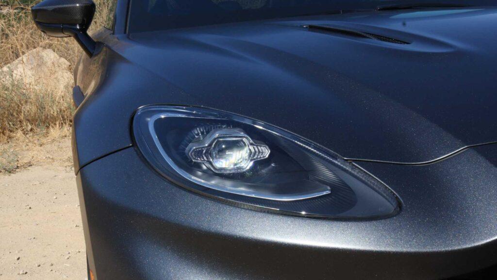 Планируется, что уже в ближайшие четыре года порядка ¼ всех выпускаемых машин компании Aston Martin будут снабжены электроустановками, а еще чуть позже и полностью станут электрокарами