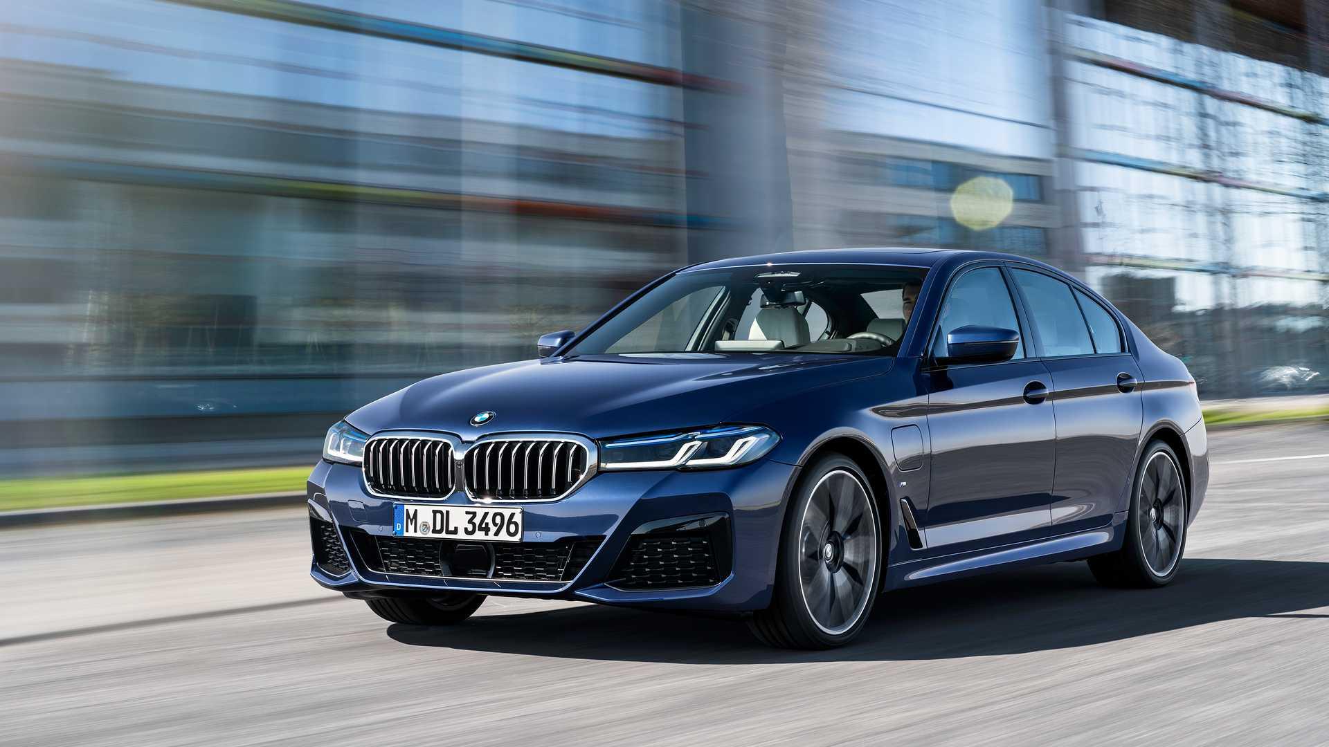 Некоторые опции для BMW будут платными