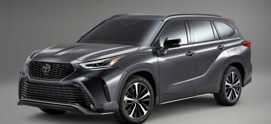 """Toyota представила """"заряженную"""" версию Highlander XSE"""