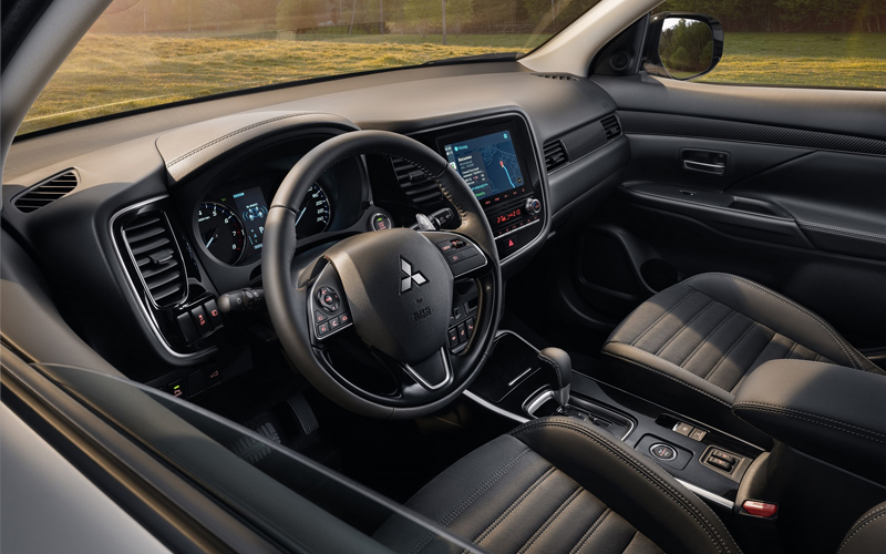 Салон Mitsubishi Outlander 2021 модельного года