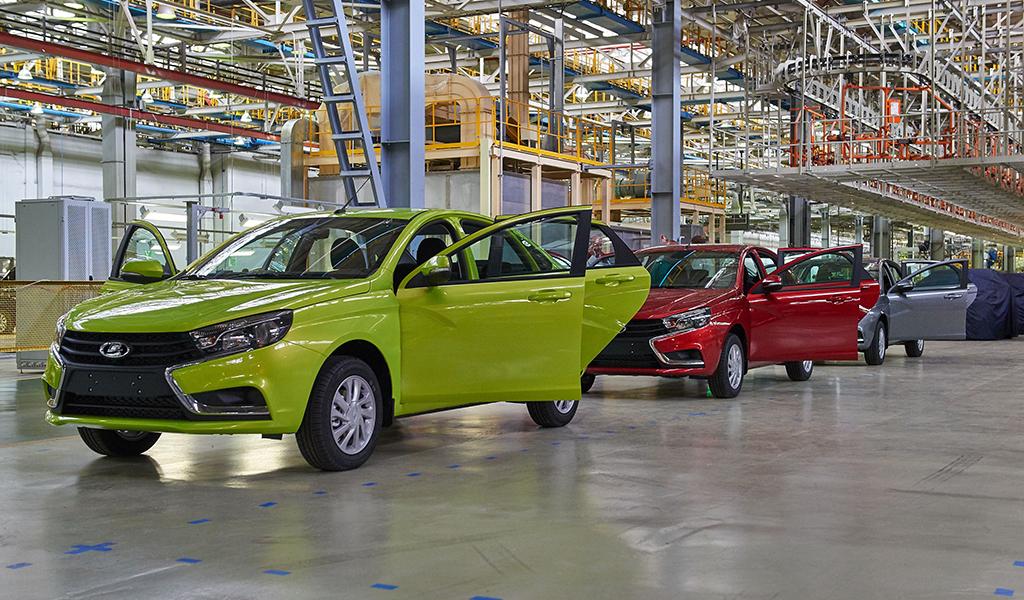 Основная доля продаж приходится на марку Lada – это порядка 340 000 автомобилей