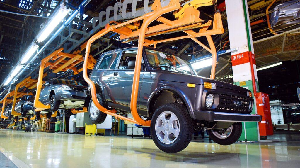 Остальную же долю российского рынка логично занимают автомобили выпущенные в других странах, таких ¾ от общего объема
