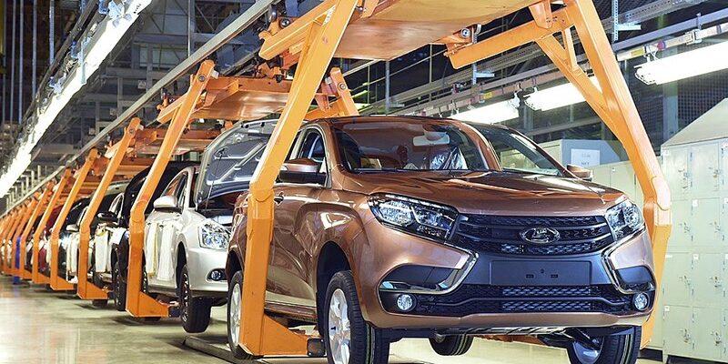 20% компаний повысили цены на свои модели в РФ