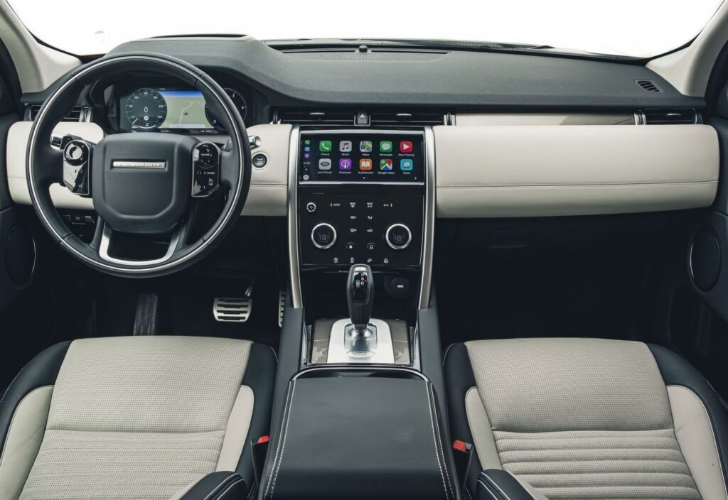 Салон Land Rover Discovery