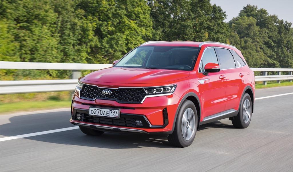 KIA вновь подняла цены на автомобили в России
