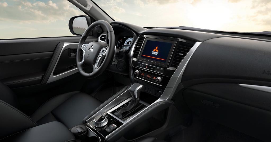 Салон нового Mitsubishi Pajero Sport