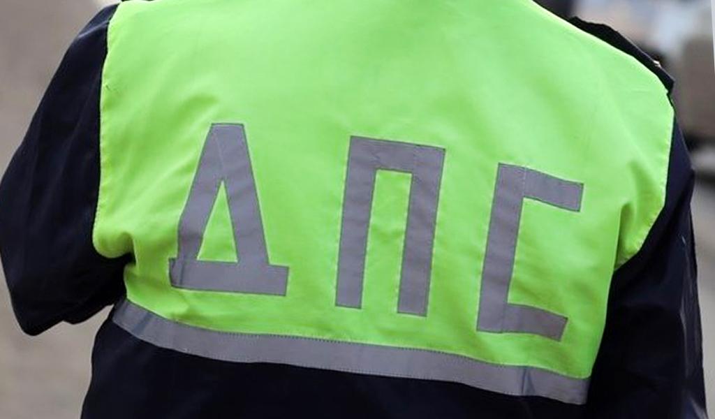 Скрытым патрулям ГИБДД разрешат отслеживать разговоры водителей по телефону