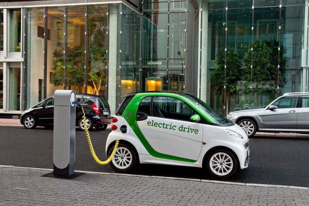 Власти помогут с установкой заправочных станций для зарядки электромобилей