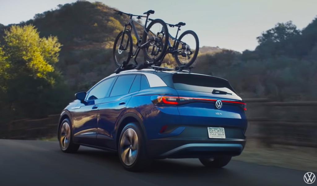 Volkswagen выпустил рекламный ролик для ID.4, в котором потролил Subaru Outback