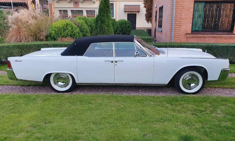 Lincoln Continental 1964 года