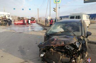В Омске после столкновения с автомобилем Opel перевернулась пожарная машина (Фото)