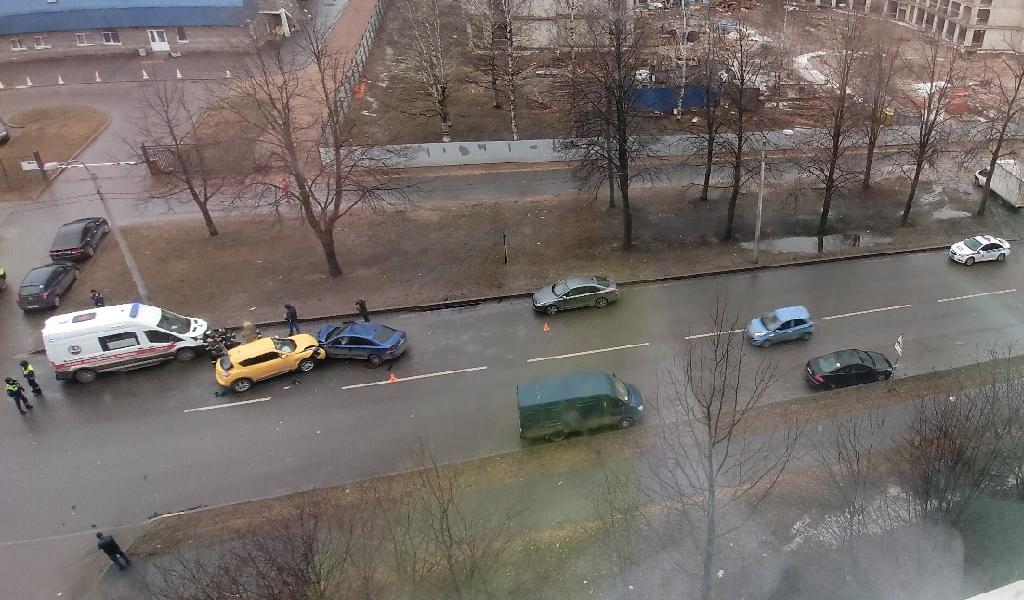 ДТП на улице Бутлерова в Санкт-Петербурге