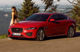 В России прекратили продажу седана Jaguar XE