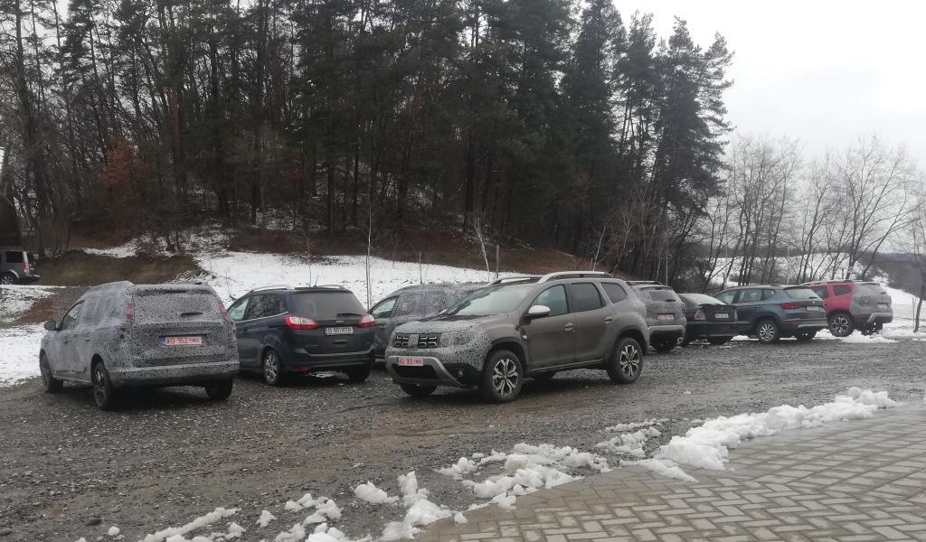 Семиместный Dacia Duster