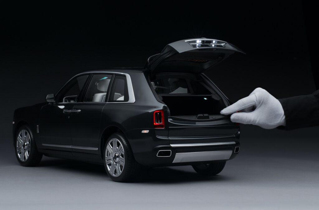 Моделька Rolls-Royce Cullinan - фото 2