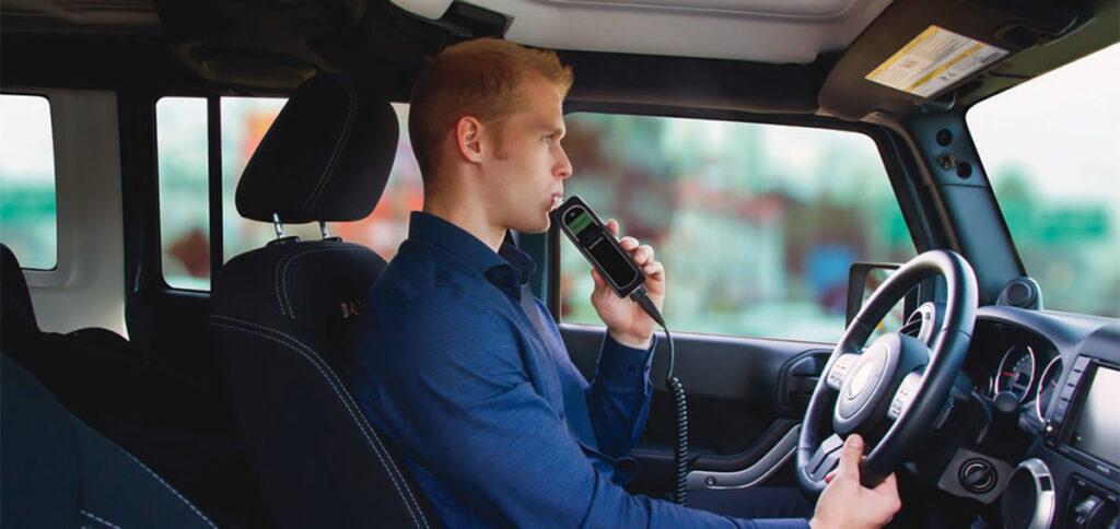Для алкозамков, как для технических устройств разработают систему стандартов и проверок. Также Минпромторг намерен обсудить с автопроизводителями вопрос стимулирования установки алкозмаков в новые авто.