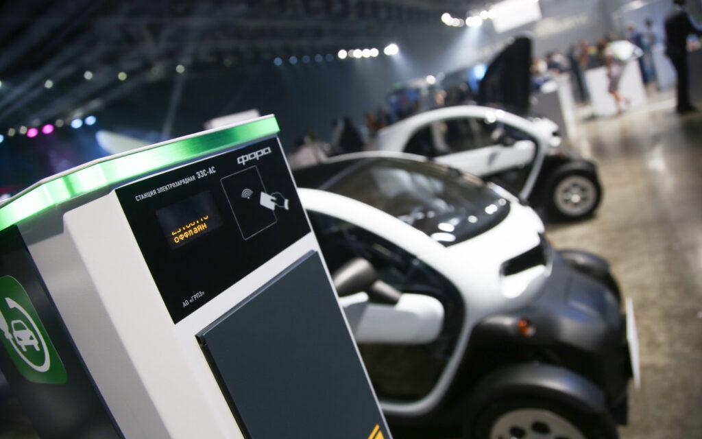 Что касается месторасположения активности вторичного рынка электромобилей, тут обычно лидирующая Москва оказалась всего лишь на девятом месте – здесь приобрели только 20 автомобилей