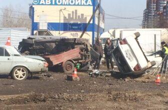 В Красноярске «Субару» на огромной скорости подлетела и врезалась в три припаркованных автомобиля