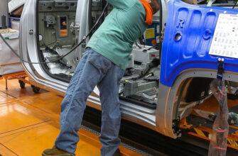 В США попытаются устранить дефицит микросхем в автопроме