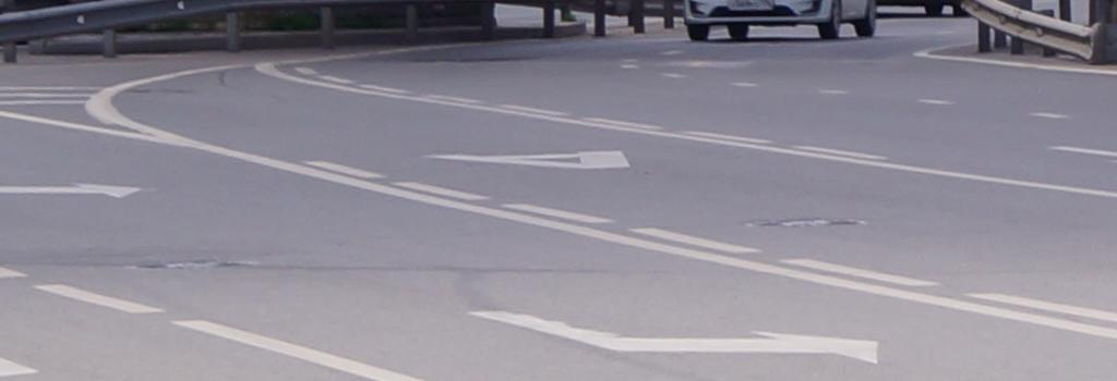 В Казахстане автомобилям могут разрешить ездить по автобусной полосе