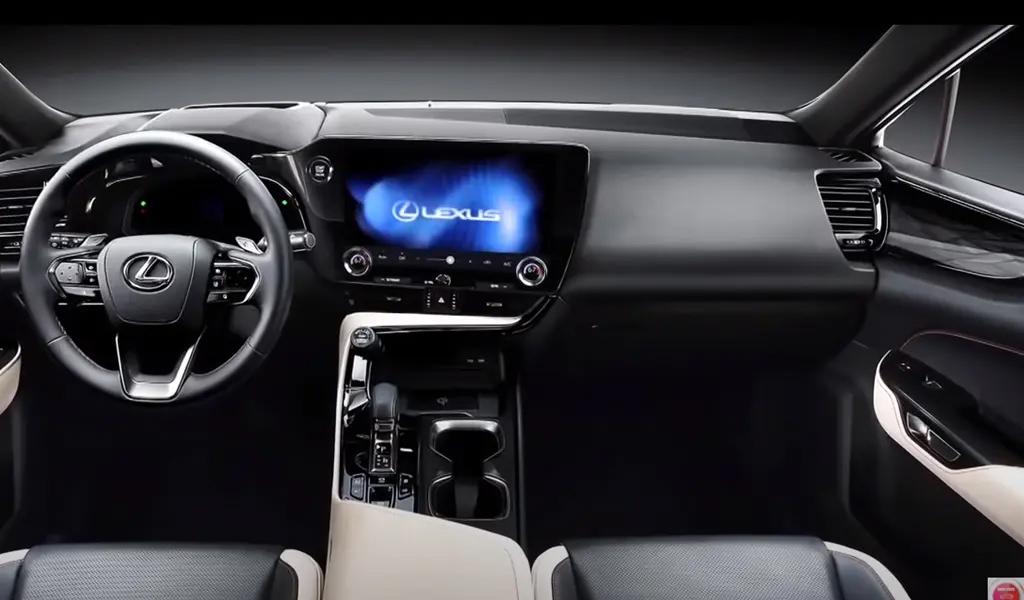 Салон нового Lexus NX