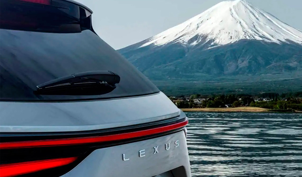 Lexus назвал дату презентации нового NX