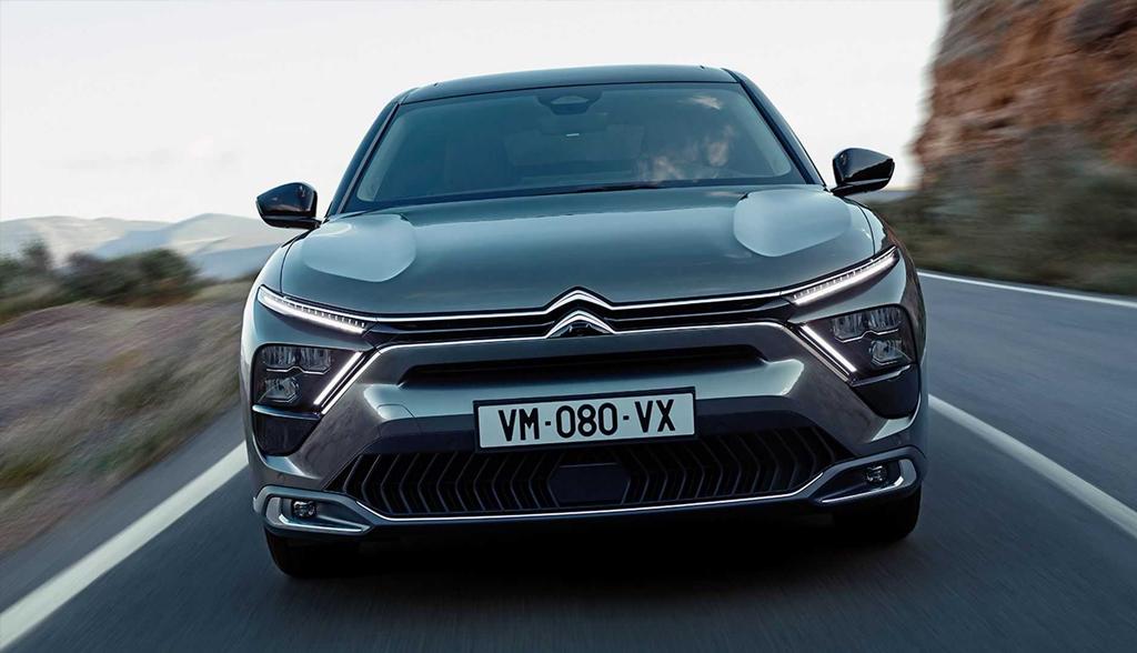 Официально: Citroen представил новый кросс-седан C5 X