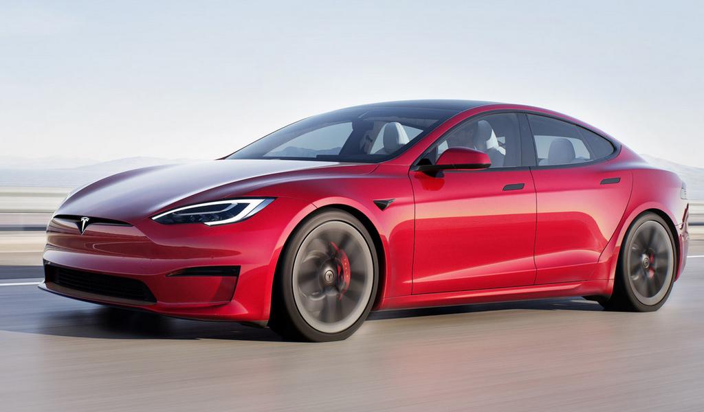 Илон Маск собирается официально продавать Tesla в России и даже построить завод
