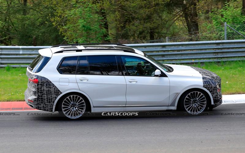 В сети опубликовали «шпионские» фото обновленного BMW X7