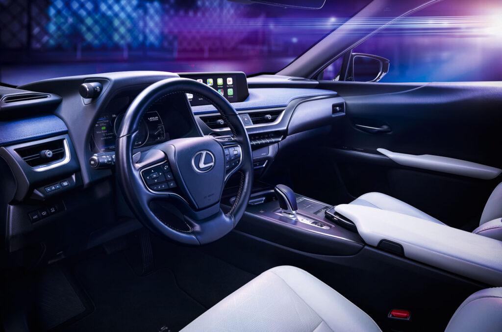 Салон Lexus UX 300e