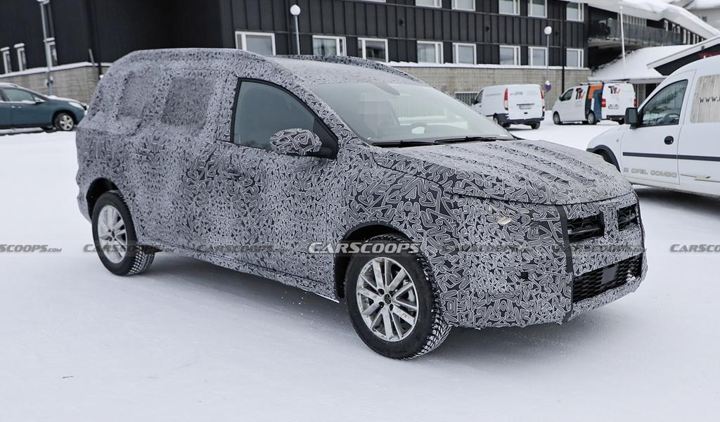 Новый универсал Dacia Logan заметили на тестах
