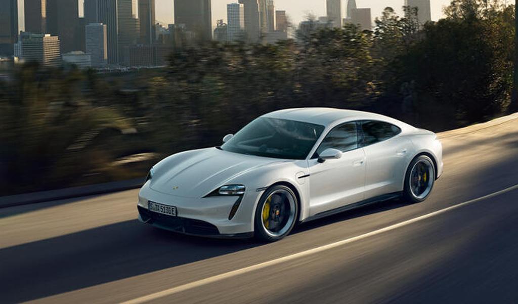 В России подорожали автомобили Porsche Panamera и Taycan