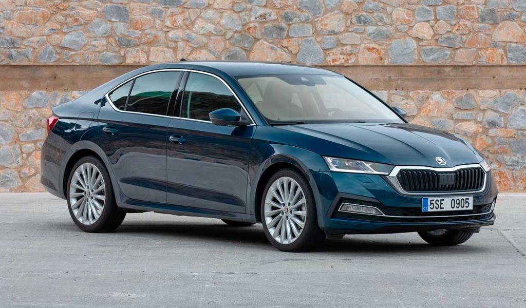 В России Skoda объявила об отзыве автомобилей Octavia и Superb