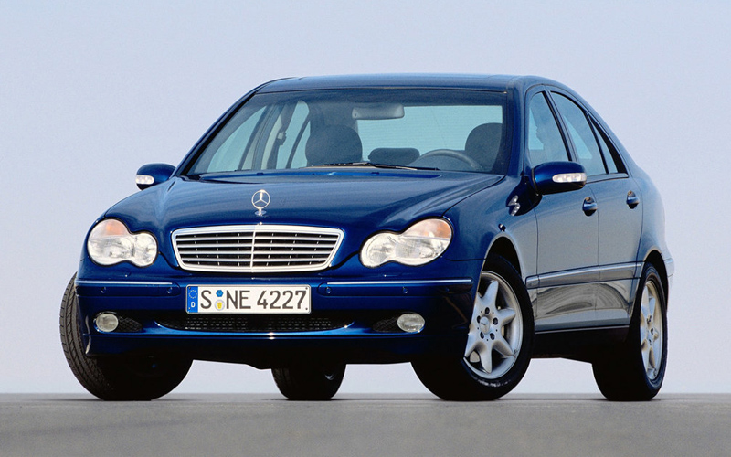В России отзывают 110 автомобилей «Мерседес»