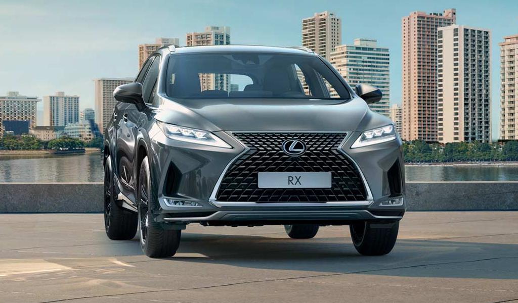 Десять самых продаваемых автомобилей премиум-сегмента в России