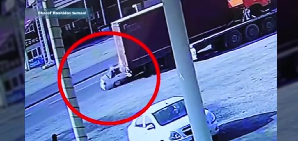 В Джизакской области «Нексия» влетела под грузовик, 23-летний пассажир в реанимации