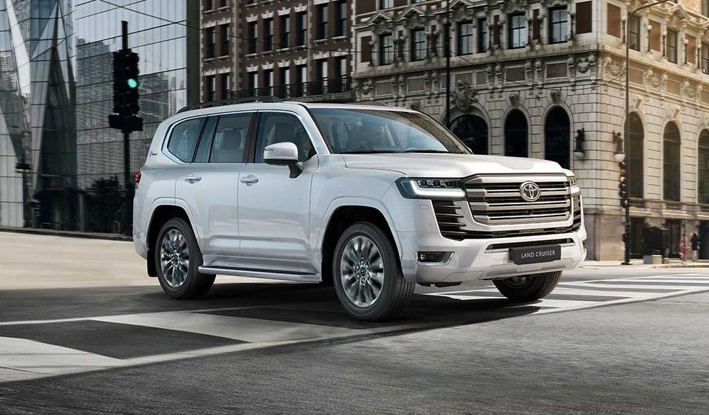 Toyota назвала все цены нового Land Cruiser 300