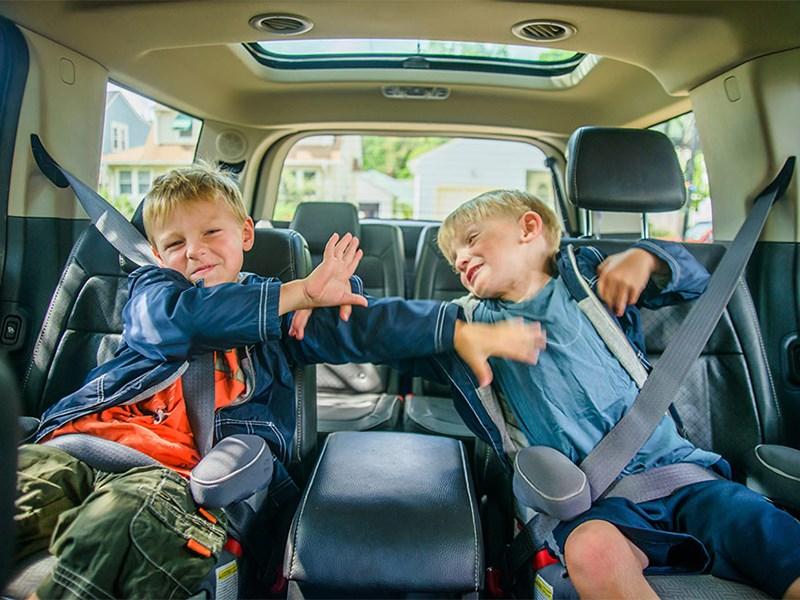 Теперь же, при таком отказе и если в автомобиле потенциального нарушителя при происшествии находился ребенок до 16 лет водителю грозит штраф размером в 50 000 рублей