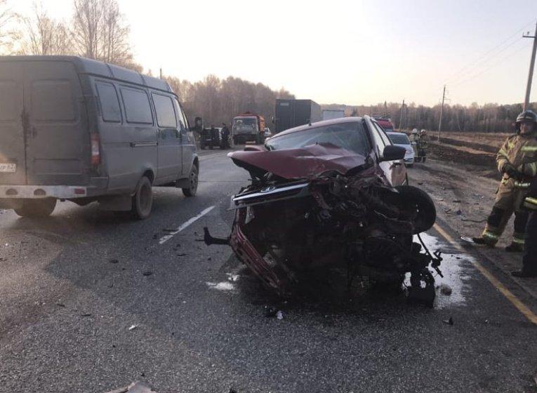 В Удмуртии 8 человек пострадали в ДТП с участием грузовика