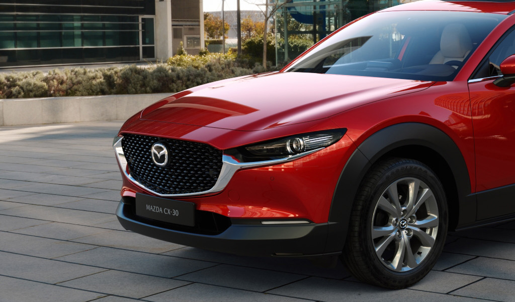 Mazda вновь повысила цены на автомобили в России