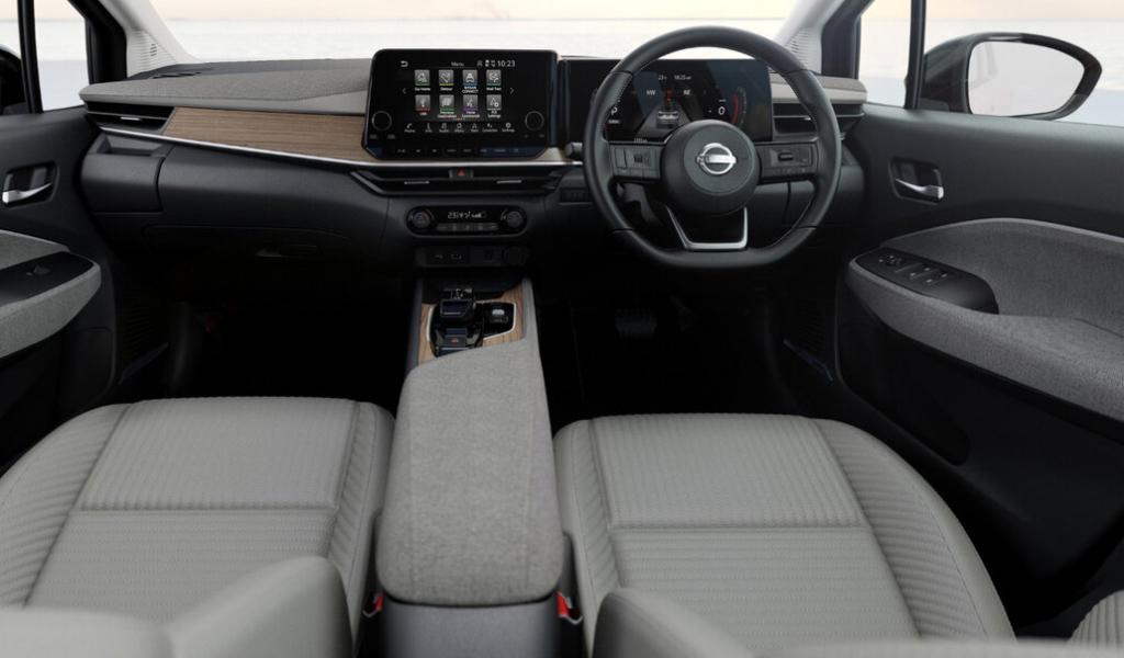 Салон Nissan Note Aura