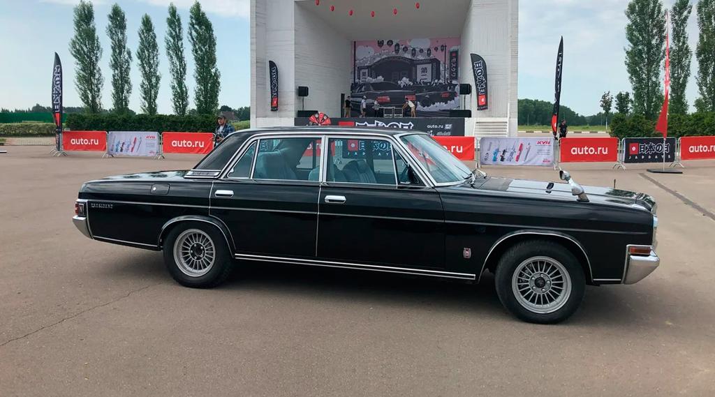 В России на продажу выставлен редкий лимузин Nissan President за 1,5 млн рублей