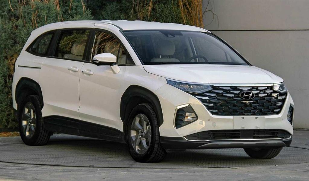 Появились фотографии нового минивэна Hyundai Custo