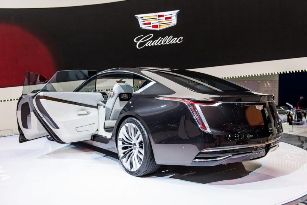 Претендентов на имя «Symboliq» как минимум два, поскольку известно, что в данный момент Cadillac занимается разработкой еще двух моделей
