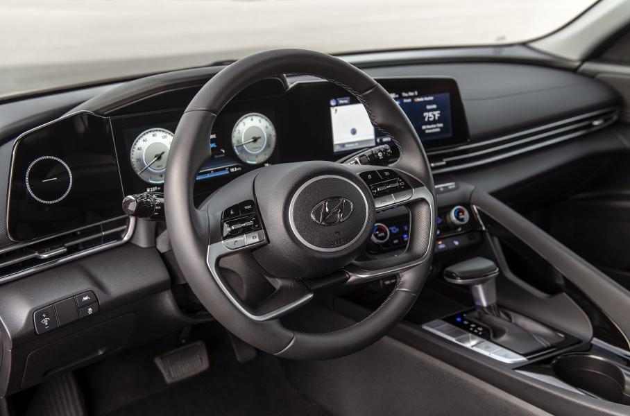 Последнее поколение Hyundai Elantra базируется на новой платформе
