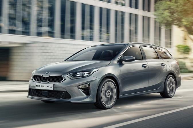 Цены на автомобили стартуют с отметки 1 169 тыс. рублей за Ceed SW в базовой комплектации