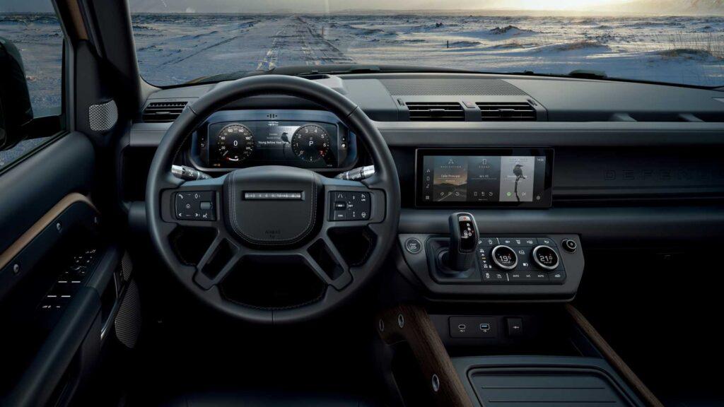 Салон Land Rover Defender